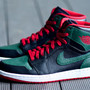NIKE AIR JORDAN 1 RETRO HIGH BLACK/GYM RED-GORGE GREEN-WHITE